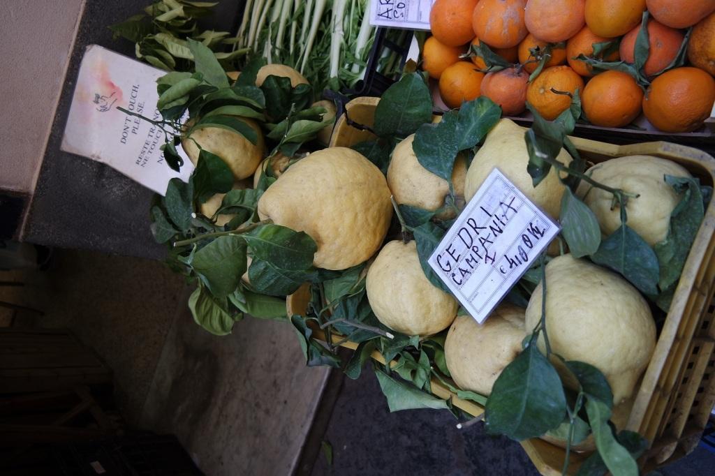 Cetara il tempo e la Colatura - Cedri, arance e limoncelle.